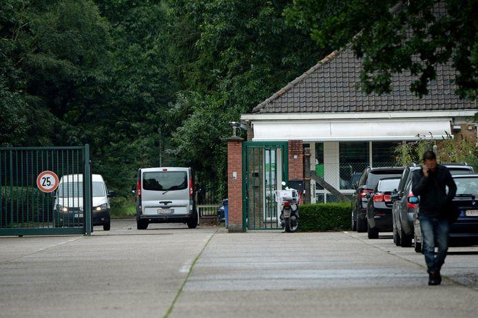 De ingang van open asielcentrum Totem aan Grens in Arendonk