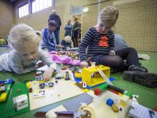 Kinderen beginnen herfstvakantie met Lego bouwfestijn in Manderveen