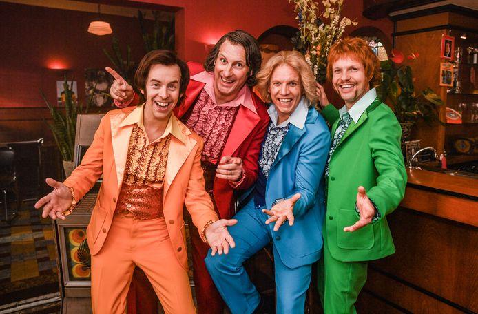 Gert Verhulst werkt samen met James Cooke, Jelle Cleymans en Jonas Van Geel voor de musical 'Vergeet Barbara'.