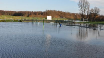 Smeltwater en regen zorgen voor wateroverlast