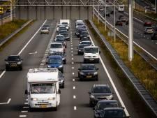 Files op Afsluitdijk en bij Sint Nicolaasga door ongeluk en spoedreparatie