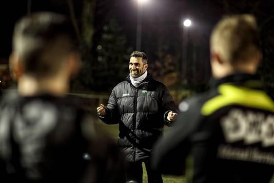 Johan Gabriëls als trainer van Halsteren