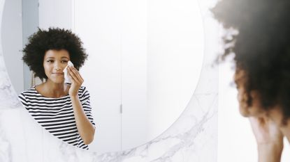 Van smokey eyes tot gelnagels: zo verwijder je moeilijke make-up