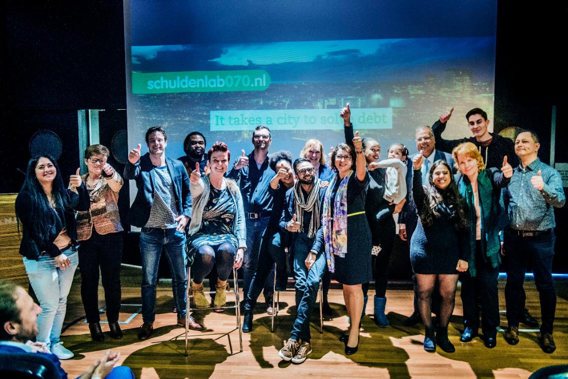 Jongeren, initiatiefnemers en wethouder Rabin Baldewsingh zijn met het resultaat.