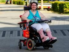Taxibedrijf dat vrouw in rolstoel bij wildvreemden dumpte door het stof