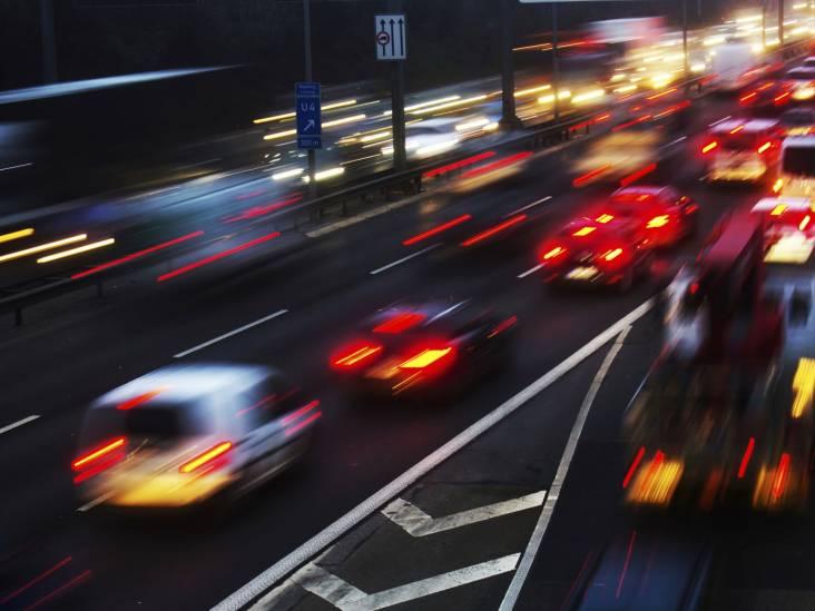 Ongeluk op A50 bij Volkel, file richting Eindhoven voorbij