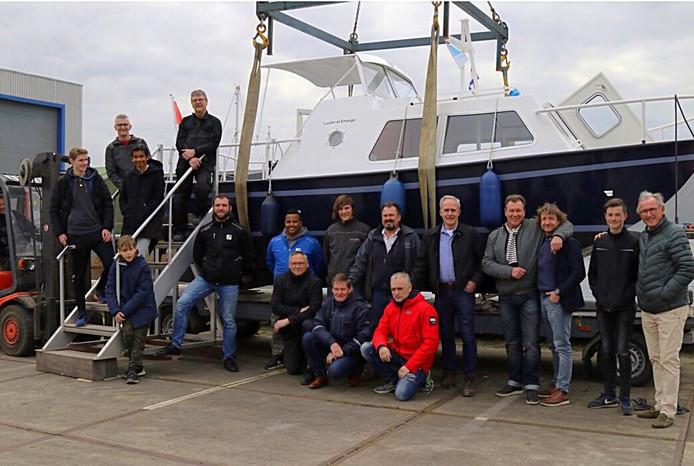In het restaureren van de boot gingen 600 manuren zitten.