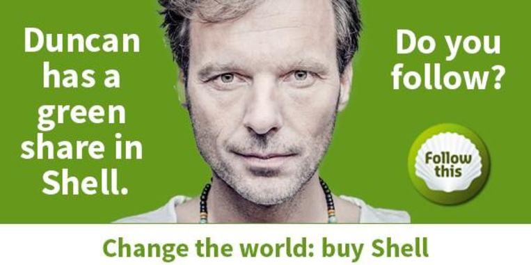Poster ter promotie van Follow this, een groep kritische aandeelhouders van Shell, met Duncan Stutterheim. Beeld