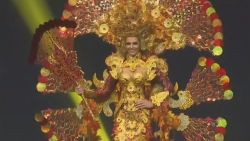 Kostuumshow Miss Universe in opvallende thema's