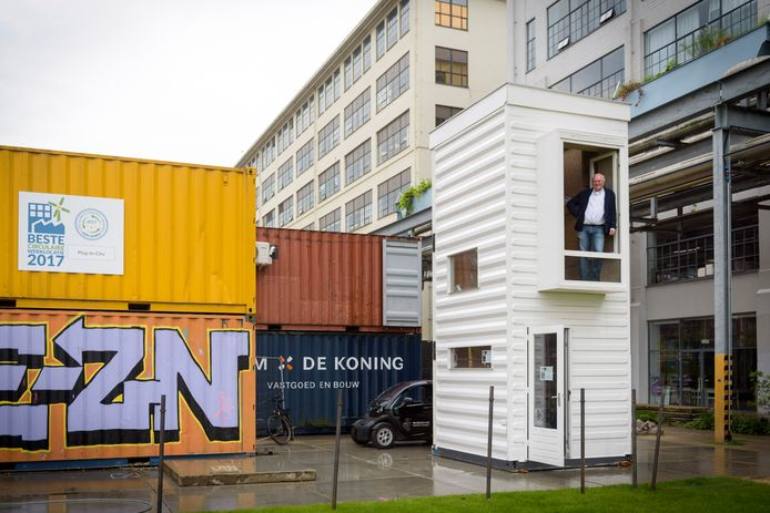 Bas Luiting, specialist en voorvechter circulaire economie, in Plug-in-City, de verzameling containers achter de Apparatenfabriek, aan het Ketelhuisplein op Strijp-S