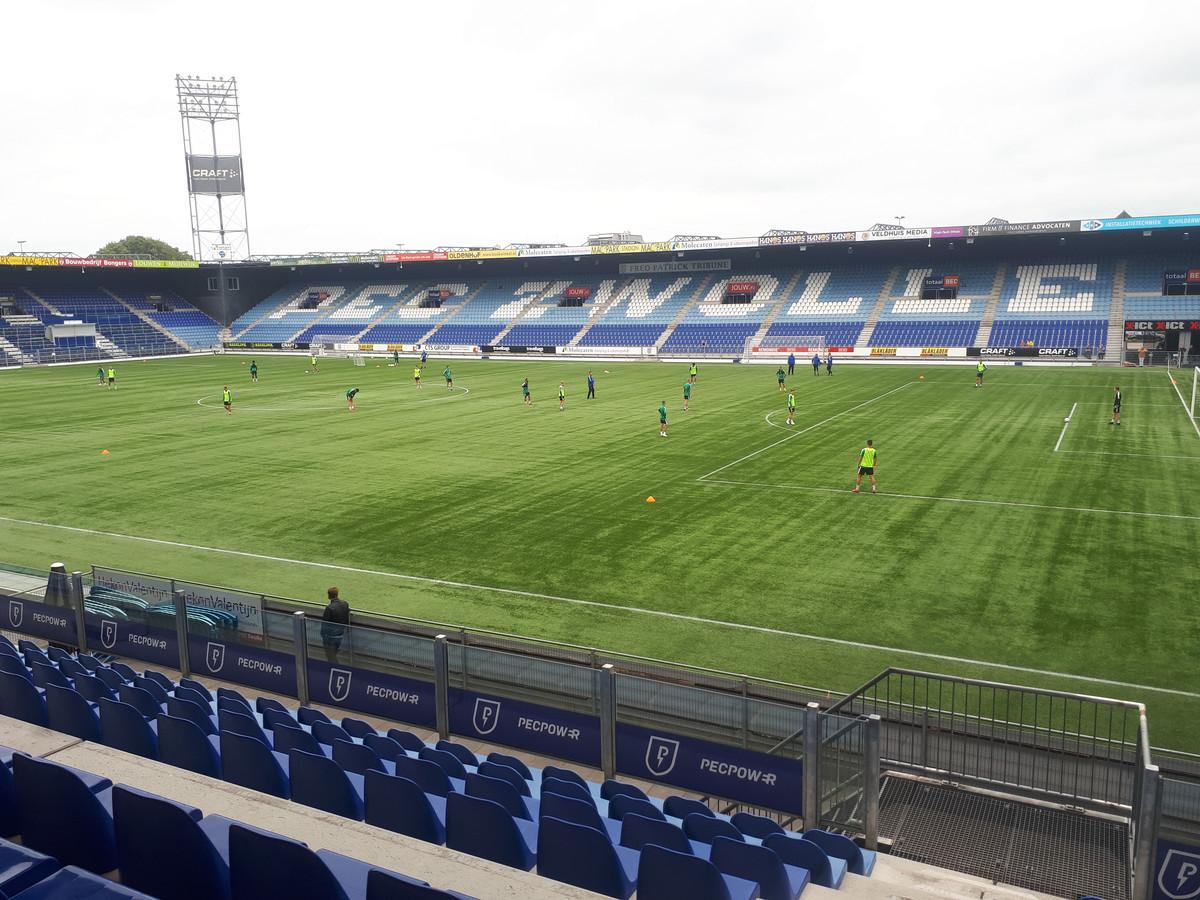 PEC trainde maandag weer in het stadion.