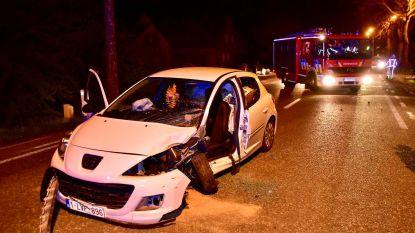 Vrouw lichtgewond na crash op Brandhoek