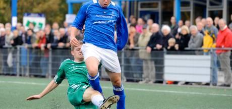 Voetbalvereniging Dorst neemt afscheid van de gewraakte rubberkorrels