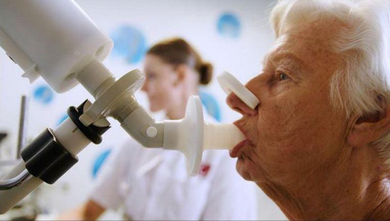 Het apparaat kan tevens bij longkankerpatiënten voorspellen of zogenoemde immunotherapie aanslaat.