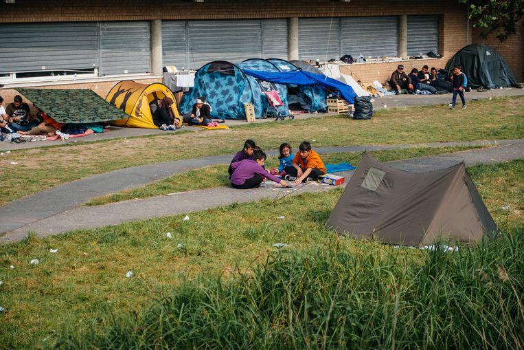 Kinderen bij het opvangcentrum Grande-Synthe, waar ook Mawda met haar ouders verbleef. Mawda (2) werd in België dooggeschoten door de politie tijdens een achtervolging.