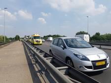Bestuurder taxibusje gewond bij kettingbotsing in Nijmegen