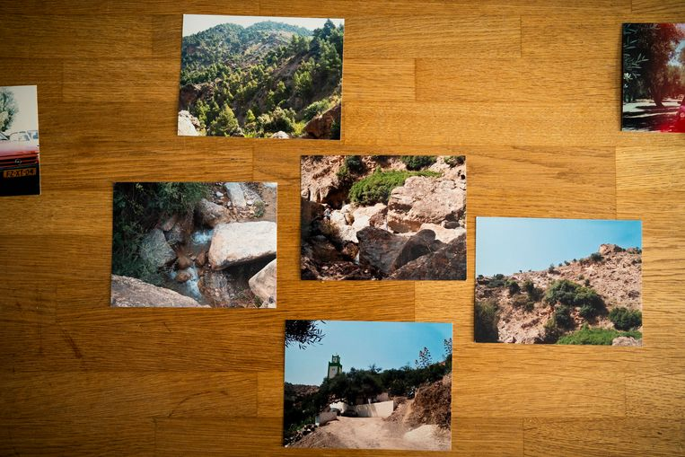 Een aantal van de foto's uit Marokko van Ali Kammyte.  Beeld Freek van den Bergh / de Volkskrant
