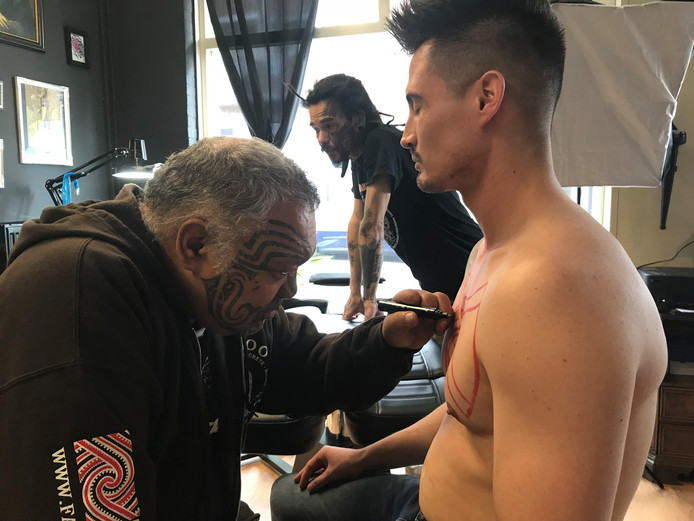 Maori Tattoo Artiest Strijkt Neer In Winterswijk