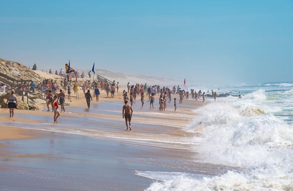 Als het aan de Franse regering ligt, zijn ook Belgische vakantiegangers vanaf 15 juni weer welkom voor een (strand)vakantie, zoals hier nabij Bordeaux.