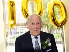Bram de Hullu uit Oostburg viert honderdste verjaardag