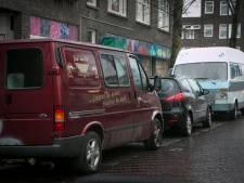 Niet genoeg parkeerplekken voor bewoners vanwege thuiswerken: 'Wees coulant met uitdelen boetes'