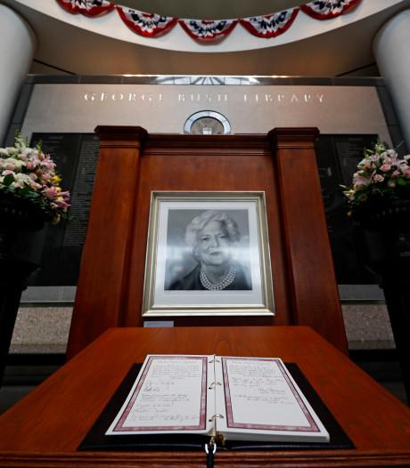 Trump niet naar begrafenis Barbara Bush, Melania gaat wel