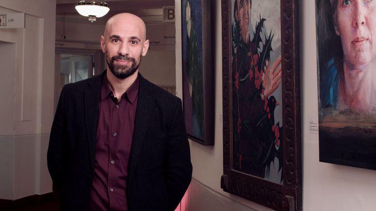 Schrijver Abdelkader Benali over het boekenbal. Beeld NTR