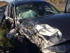 Auto's botsen hard op elkaar: N59 dicht