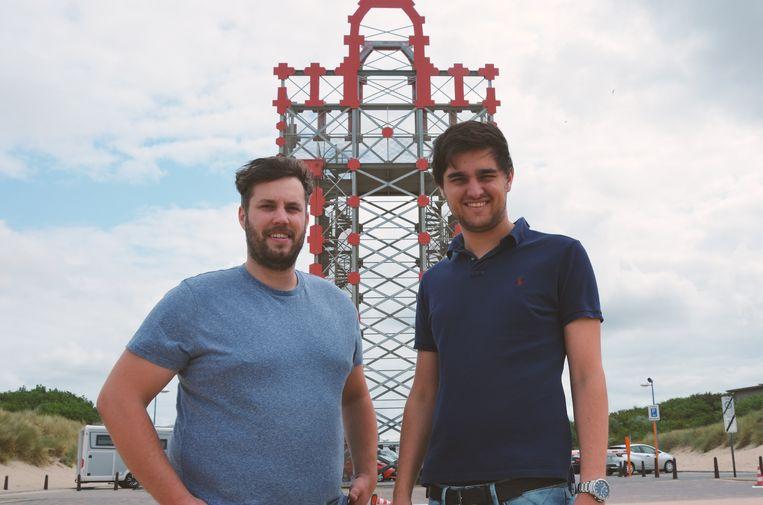Karel Ghysel en Aron Sirjacobs op het terrein waar de eerste editie van het Helmgras festival zal plaatsvinden