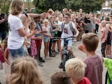 Zo fietst groep 8 van De Scheperstee in Warnsveld spannende toekomst in