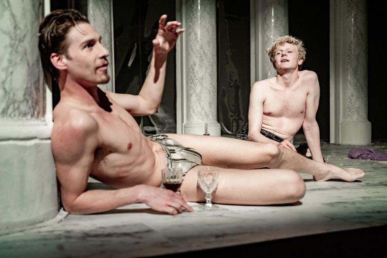 Marius Mensink (links) en Teun Donders in Don Caravaggio. Beeld Foto Bas de Brouwer