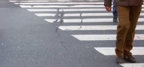 Karatetrap uit stand velde veteraan na vermaning op zebra in hartje Arnhem
