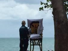 Ambulancemedewerkers vervullen laatste wens terminale vrouw