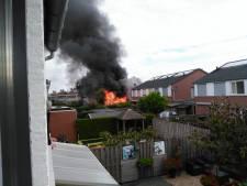Schuur bij huis brandt af in Zetten