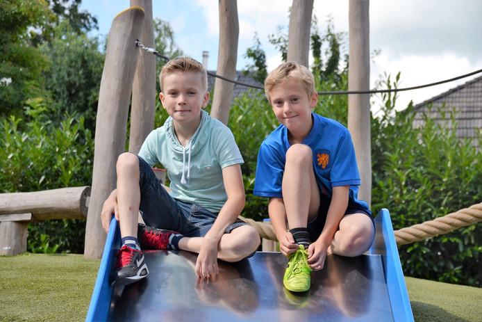 Twee leerlingen van De Overlaat in Tolkamer.