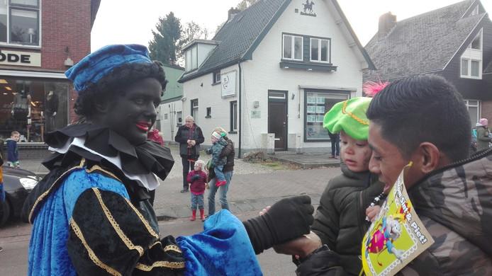 Intocht van Sinterklaas in Ugchelen.