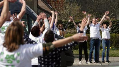 Wielsbeke toont zich massaal aan drone van VTM en HLN, morgen is het de beurt aan heli voor 'De Ronde tegen Corona'