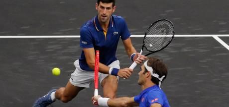 Djokovic slaat bal tegen Federer: 'En daarom dubbelen we niet'