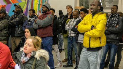 Buurtbewoners willen uitzetting sans-papiers uit bezette pand voorkomen