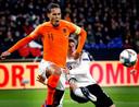 Virgil van Dijk voorkwam met een late gelijkmaker dat Oranje verloor van Duitsland.