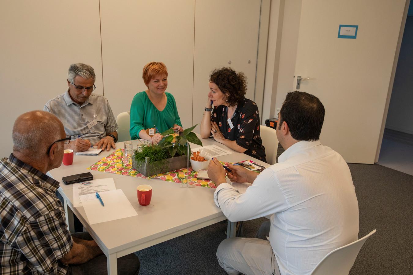 Onderleiding van vrijwilligster taalcursus bij het Rode Kruis in Eindhoven