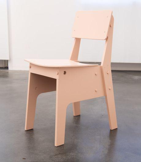 Centraal Museum vult collectie aan met 'corona-roze crisisstoel'