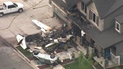 Piloot (47) vliegt eigen woning binnen en sterft