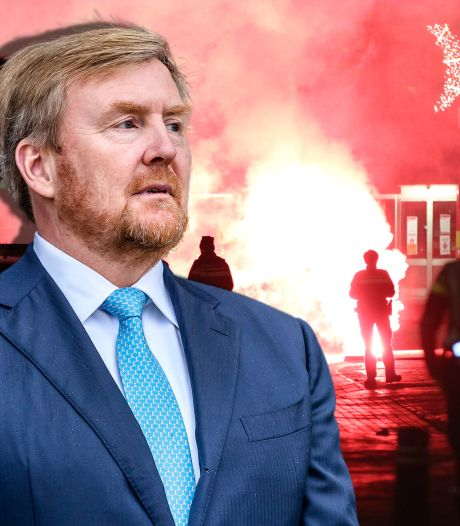 Koning spreekt met burgemeesters van Zwolle en Urk over rellen na avondklok