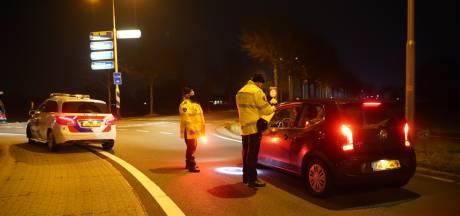 Avondklok zorgt voor oorverdovende stilte in de straten van Oost-Nederland, Urk extreme uitzondering