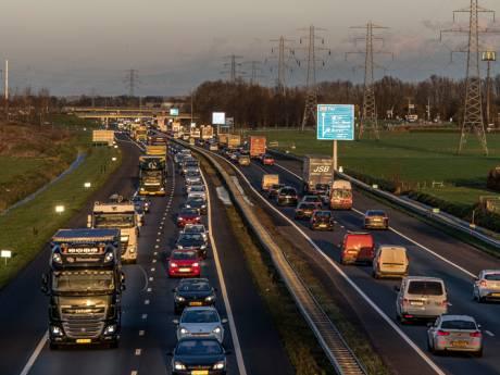 Rivierenland vraagt aandacht voor A15 in Den Haag