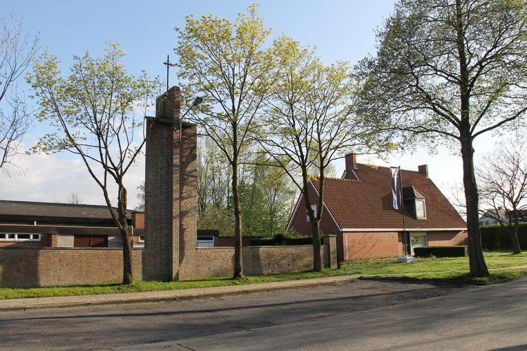 De Sint-Rafaëlskerk in de Lendeleedsestraat verdwijnt voor de groene woonzone van Urbes.