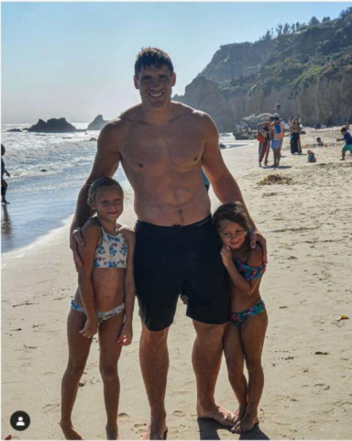 Rico Verhoeven in Malibu op vakantie.