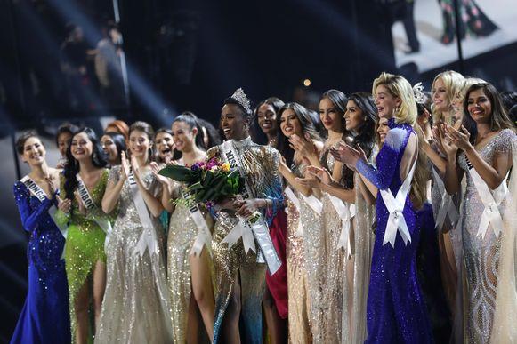 Tunzi wint de titel van Miss Universe.