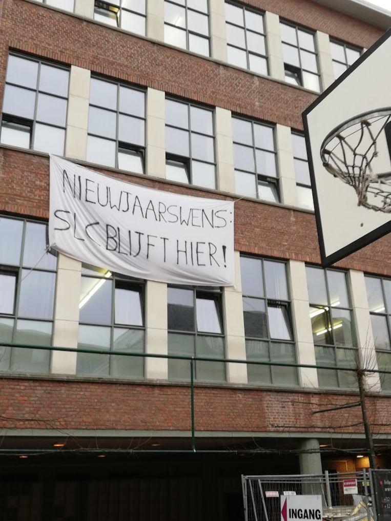 De leerkrachten drukten hun protest de voorbije weken onder meer uit met deze spandoek.